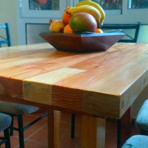 Mesa de comedor hecha con madera de palets - florida