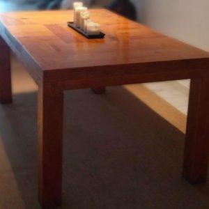 Muebles hechos con palets - mesa rústica