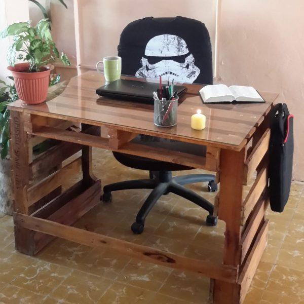escritorio de palet rustico abierto