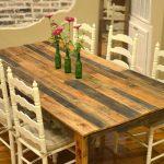 mesa de comedor avejentada