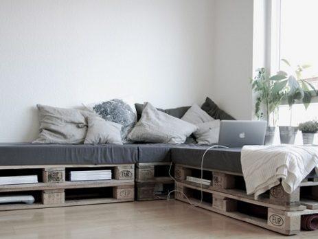 Sofás de palets ideales para interiores que te encantarán