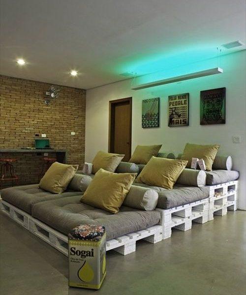 sofá de palet escalonado