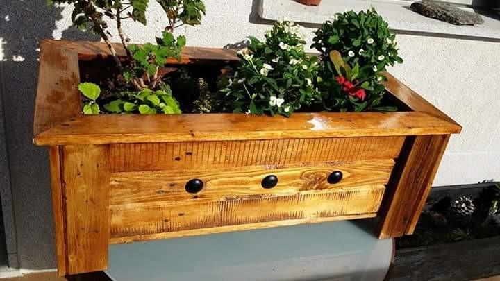 3 ideas animarte a que tengas tu propia jardinera hecha con madera de palets.
