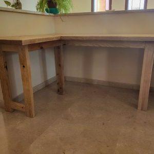 escritorio de madera rustico