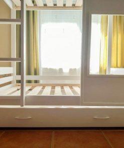 cama litera con palets